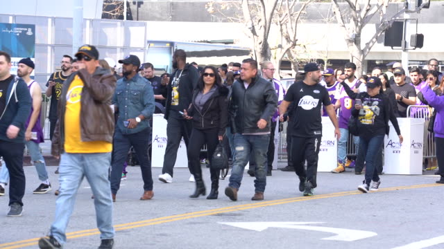 fans arriving at celebration of life for kobe and gianna bryant at staples center on february 24, 2020 in los angeles, california. - 追悼行事点の映像素材/bロール