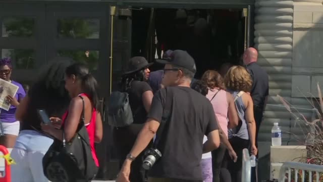 fans arriving outside the charles h wright museum of african american history to say a final farewell to legendary singer aretha franklin who died... - pancreatic cancer stock videos and b-roll footage