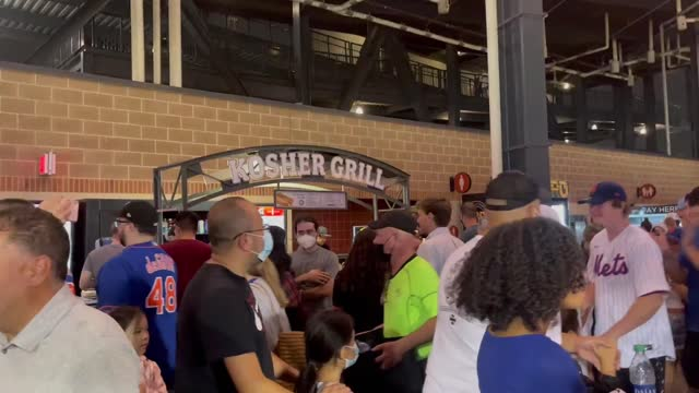 //www.mlb.com/press-release/press-release-mets-nationals-suspended-aug-10-2021 mets-national game at new york's citi field stadium on august 10... - https stock-videos und b-roll-filmmaterial