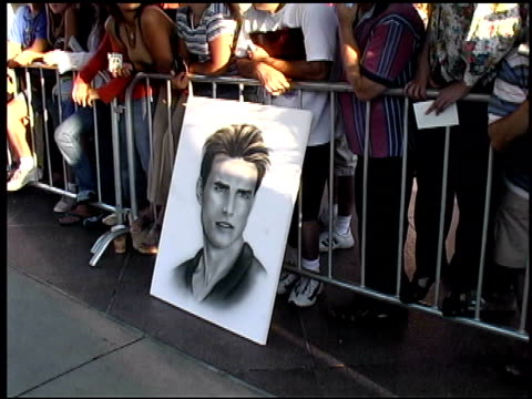 fans at the premiere of 'the others' at dga theater in los angeles california on august 7 2001 - 2001 stock videos & royalty-free footage