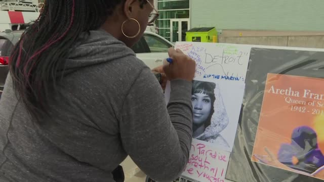 Fans continue to pay their respects to US music icon and Queen of Soul Aretha Franklin whose body lies in state in the Charles H Wright Museum for...