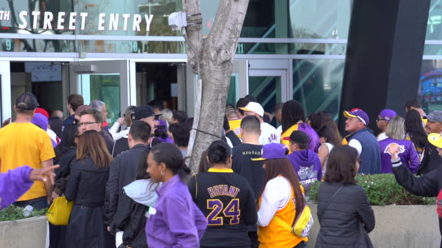fans in line at celebration of life for kobe and gianna bryant at staples center on february 24, 2020 in los angeles, california. - staples centre stock videos & royalty-free footage