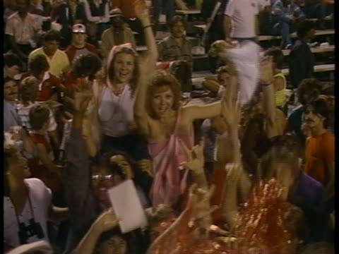 1985 ms fans in stands at usfl game between portland breakers and birmingham stallions/ portland, oregon - pom pom stock videos & royalty-free footage