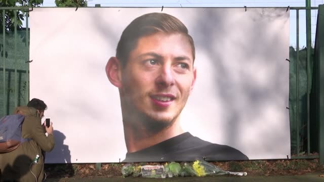 Fans of FC Nantes continue to gather at the club and in the city to honour former striker Emiliano Sala who is missing after a suspected plane crash...