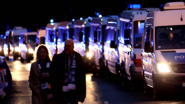 2 fans of hertha bsc arrive at the bundesliga match between 1 fc union berlin and hertha bsc at stadion an der alten foersterei on november 2 2019 in... - aggression stock-videos und b-roll-filmmaterial