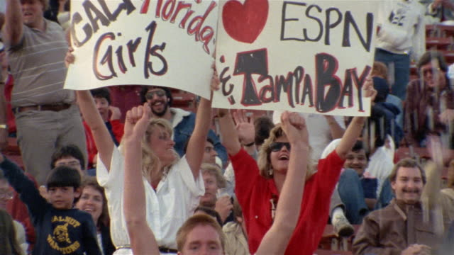 1985 MS fans of Tampa Bay Bandits in stands at USFL game/ USA