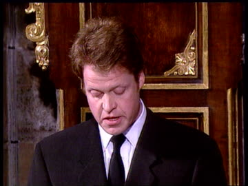 """vidéos et rushes de """"farewell to a princess""""; itn pool tgv interior of abbey tilt down earl spencer tribute cont'd - tribute to her level-headedness and strength/ most... - respect"""