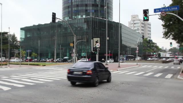 WS Faria lima avenue and cidade jardim avenue crossing / Sao Paulo, Brazil