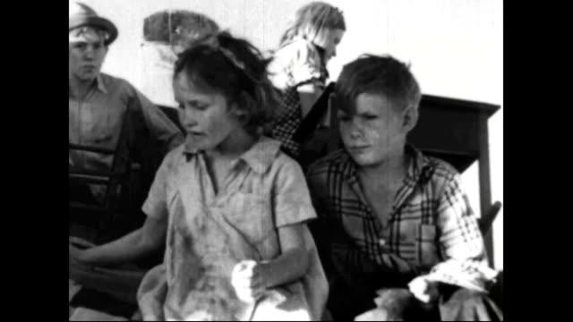 Farm families leave farms during the Dust Bowl