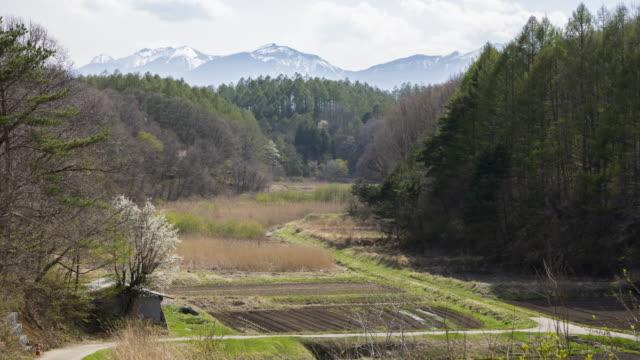 farm in the mountainous rural area - 人里離れた点の映像素材/bロール