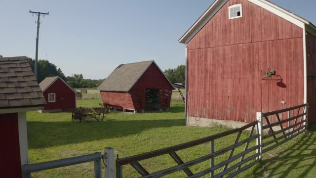 farm - barn stock videos & royalty-free footage