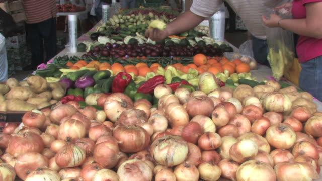 farmer's market - onion stock videos & royalty-free footage