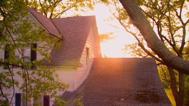 farmhouse building exterior at dawn, jib shot - jib shot stock videos & royalty-free footage