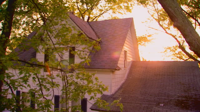 farmhouse building exterior at dawn, jib shot - farmhouse stock videos & royalty-free footage