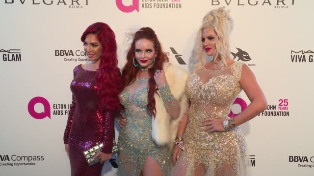 vídeos de stock, filmes e b-roll de farrah abraham phoebe price and sophia vegas wollersheim at elton john aids foundation presents the 26th annual academy awards viewing party on march... - 2018