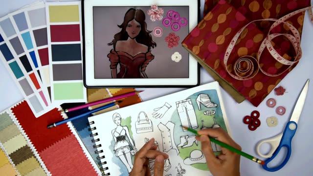 Mode-Designer & Schneider zeichnen und arbeiten mit Skizze von Kleidung, tablet, Proben / Bekleidungs-Business-Konzept
