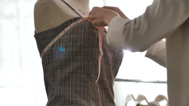 ファッションデザイナー - トルソー点の映像素材/bロール