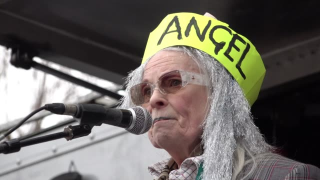 fashion designer vivienne westwood speaks at a rally in parliament square calling to halt julian assange's extradition to the united states to stand... - westwood stock-videos und b-roll-filmmaterial