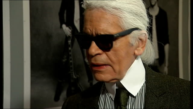 vidéos et rushes de karl lagerfeld interview london lagerfeld interview sot think she is perfect for state of economy in england she is not aggressive she cannot come... - agression