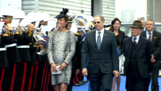 'fashion rules' exhibition; t13061344 / tx hampshire: southampton: catherine, duchess of cambridge , looking heavily pregnant, along with alan... - royal marines stock videos & royalty-free footage