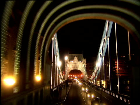 fast motion through london streets at night - stadtzentrum stock-videos und b-roll-filmmaterial