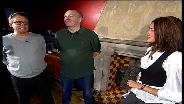 'fast show' comedy at dominion theatre; charlie higson and simon day s interview sot john thomson rehearsing scene - the dominion theatre stock videos & royalty-free footage