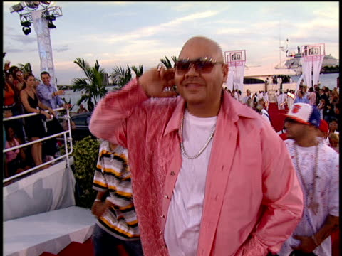 Fat Joe and members of the Terror Squad walking the 2004 MTV Video Music Awards red carpet