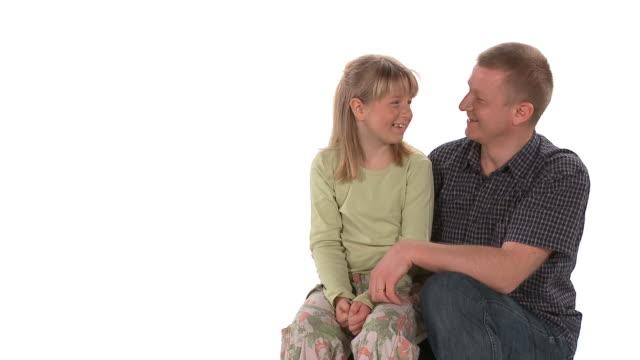 vídeos de stock e filmes b-roll de hd: pai e filha - single father