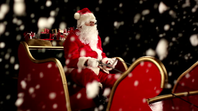 DOLLY HD: Father Christmas in the Sleigh with Snow