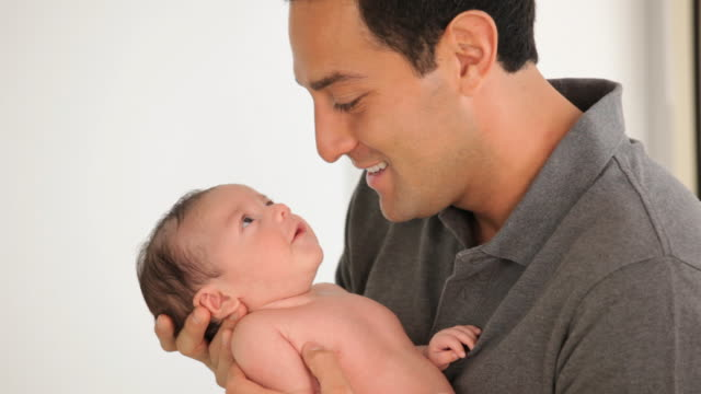 CU Father Holding Newborn Baby / Richmond, Virginia, USA