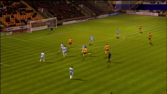 vidéos et rushes de father of wayne rooney arrested in betting scam; 14 december 2010 scotland: fir park ext motherwell 2 - 1 hearts sequence showing incident in which... - programme de télévision