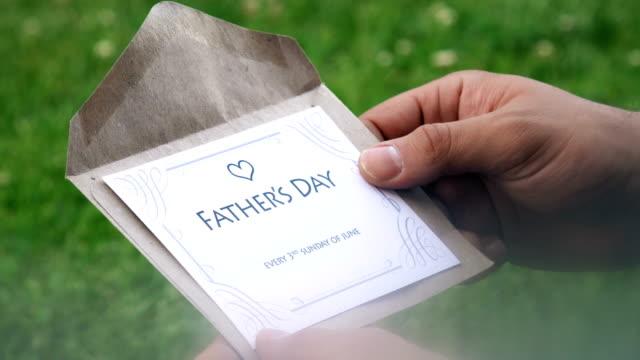 vídeos y material grabado en eventos de stock de carta del día del padre (cada 3o domingo de junio) - father day