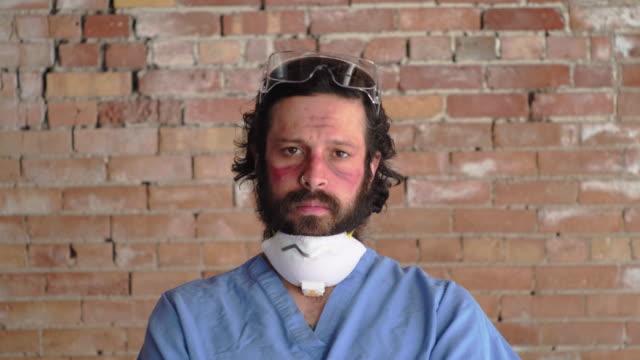 vídeos de stock e filmes b-roll de fatigued healthcare worker - exhaustion