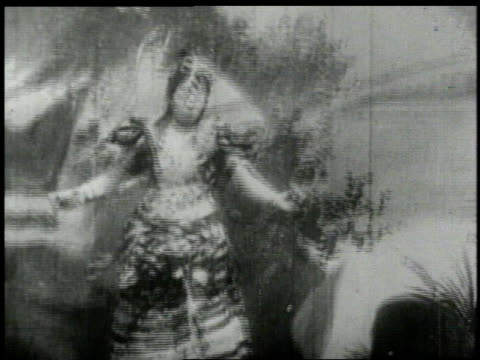 1893 MS Fatima dancing on stage / Chicago, Illinois, United States