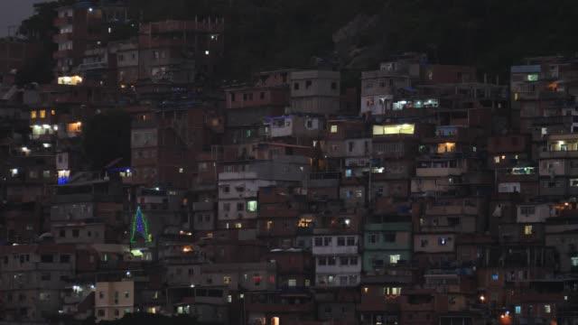 vídeos de stock e filmes b-roll de favela christmas time in rio - favela