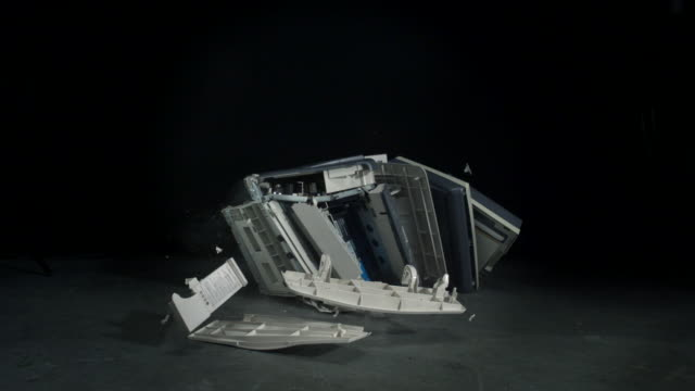 vidéos et rushes de fax machine  crashing on the floor, slow motion-close up  - un seul objet