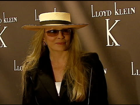 faye dunaway at the world renowned couturier lloyd klein to open flagship retail store showroom and studio in los angeles with a celebrity launch p... - faye dunaway stock videos and b-roll footage