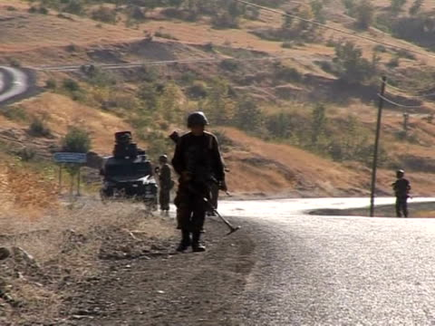 fearing a turkish attack the kurdish regional government in northern iraq has promised to crack down on separatist rebels operating out of its... - kurdischer abstammung stock-videos und b-roll-filmmaterial