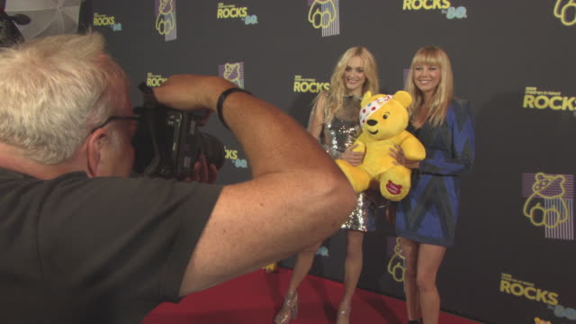 vidéos et rushes de fearne cotton, sara cox at bbc children in need rocks the 80s at sse arena on october 19, 2017 in london, england. - bbc children in need