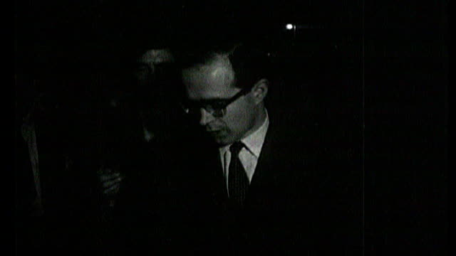 february 17, 1962 b/w reporter reporting court verdict sot - hanratty maintained his innocence when found guilty, and was then sentenced to death 4th... - b rolle stock-videos und b-roll-filmmaterial