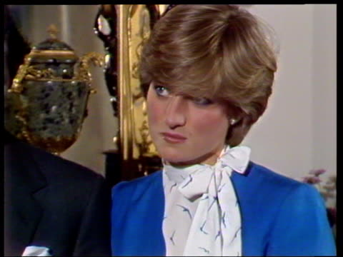 vídeos de stock e filmes b-roll de february 24, 1981 prince charles and lady diana talking to the press shortly after announcing their engagement/ diana talking/ charles and diana/... - 1981