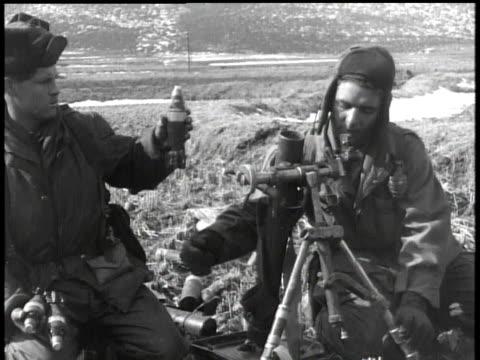 vídeos y material grabado en eventos de stock de february 5, 1951 montage soldiers firing artillery / korea - 1951