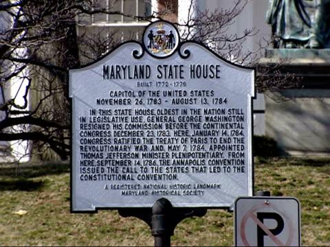 vídeos y material grabado en eventos de stock de february 9, 2006 sign in front of maryland statehouse / annapolis, maryland, united states - capitolio estatal de maryland