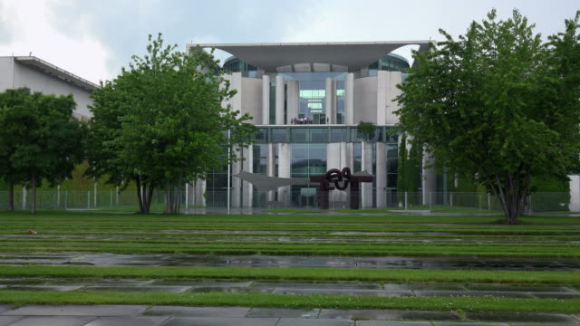 federal chancellery building, berlin-mitte, berlin, germany - federal building stock videos & royalty-free footage