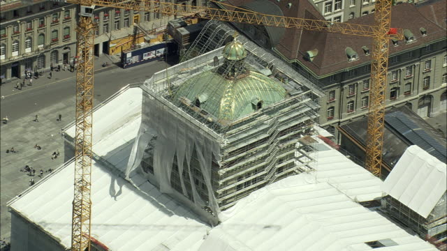 aerial zo federal palace of switzerland undergoing renovation, bern, switzerland - restoring stock videos and b-roll footage