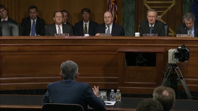 federal reserve chairman jerome powell answers alabama senator richard shelby at a senate banking committee at a semiannual oversight hearing on the... - ボーダーズ・ブックス点の映像素材/bロール