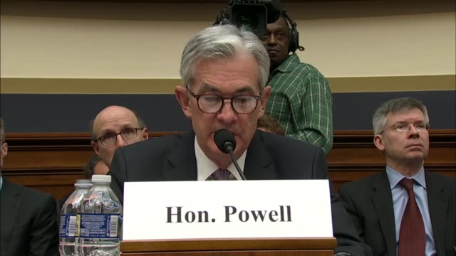 federal reserve chairman jerome powell says that his first hearing before the house financial services committee that fiscal policy is becoming more... - インフレ点の映像素材/bロール