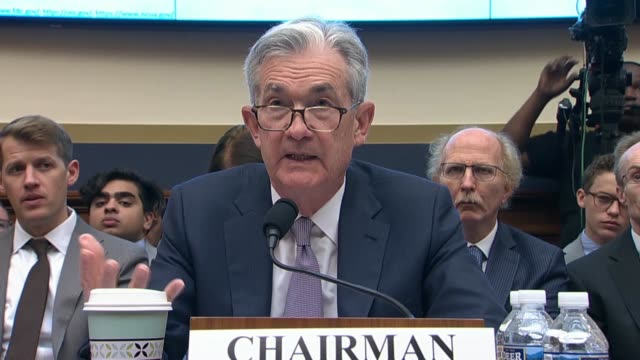 federal reserve chairman jerome powell tells new york congresswoman carolyn maloney at an oversight hearing of the house financial services committee... - 中央銀行点の映像素材/bロール