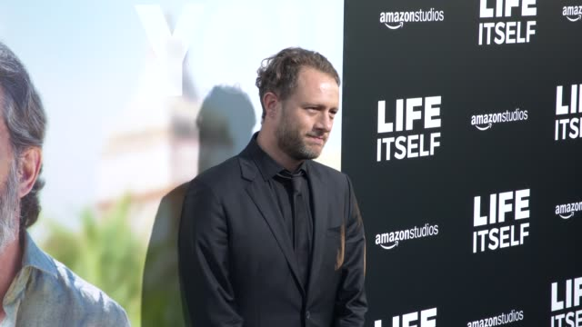 "vídeos y material grabado en eventos de stock de federico jusid at the ""life itself"" los angeles premiere at arclight cinemas cinerama dome on september 13, 2018 in hollywood, california. - cinerama dome hollywood"