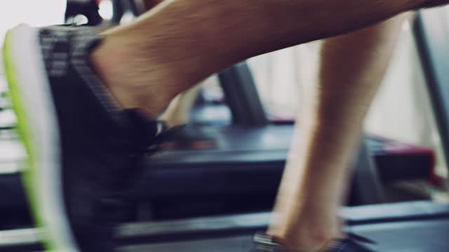 känner behov av hastighet? - blurred motion bildbanksvideor och videomaterial från bakom kulisserna